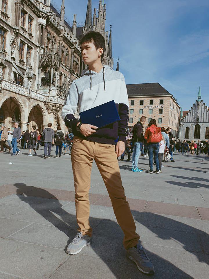 行走世界的好夥伴-ASUS ZenBook Flip 13(UX362)時尚輕巧、360度翻轉,旅行美力帶著走